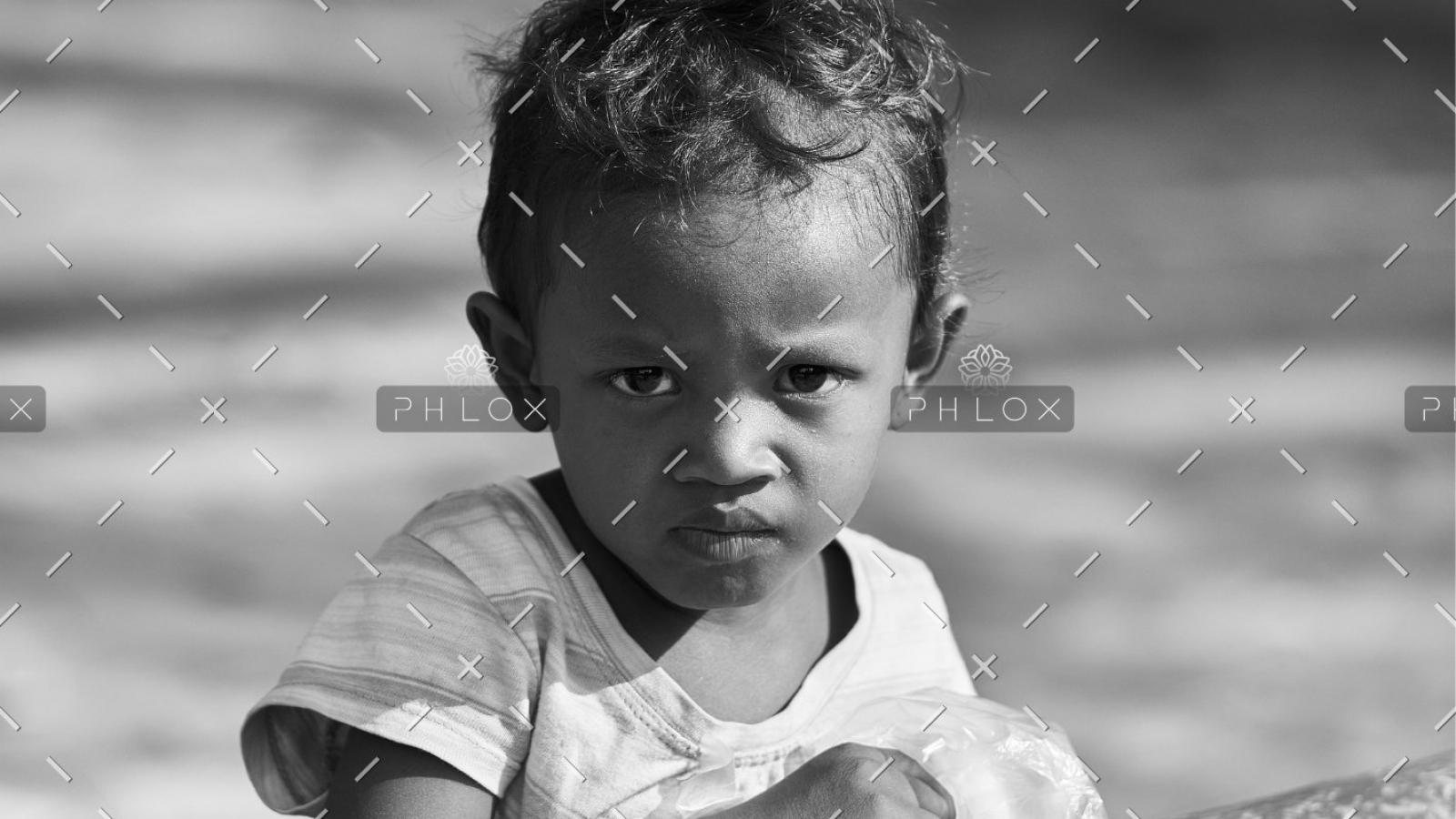 demo-attachment-294-portrait-3045815_1920@2x